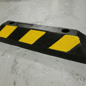 yellow and black kerb