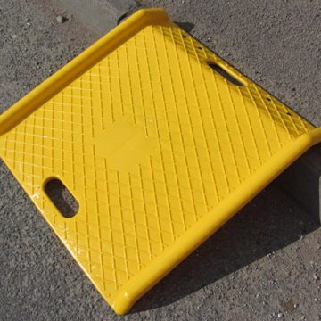 yellow kerb ramp