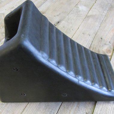 black handled rubber chock