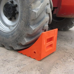 HGV red pu dumper chock
